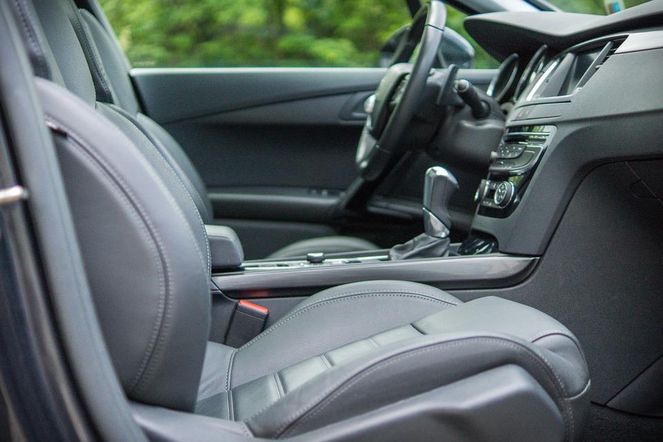 Comment éliminer l'odeur au tabac dans la voiture