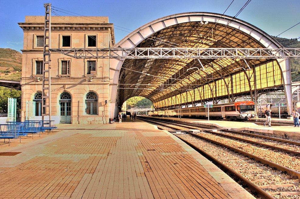 Célébration ferroviaire: le retour du train de nuit à Portbou