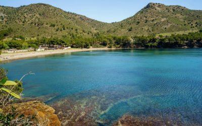 Route en voiture pour visiter les plages près de Portbou